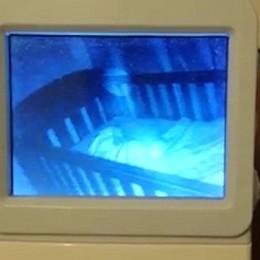 Φάντασμα εμφανίστηκε πάνω από το σώμα ενός μωρού; (video)